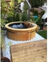 Bain nordique en plastique et en bois traité thermiquement